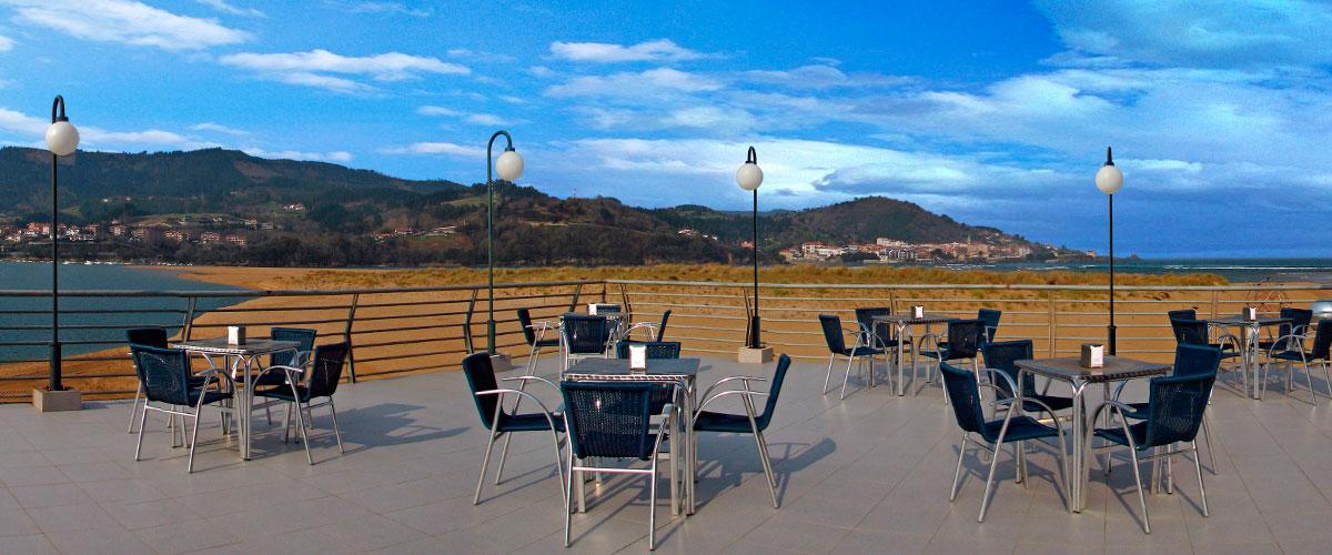 Bar Cafetería Atxarre - Terraza superior (Norte)