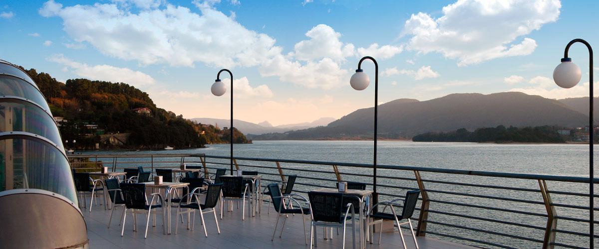 Bar Cafetería Atxarre - Terraza superior (Sur)
